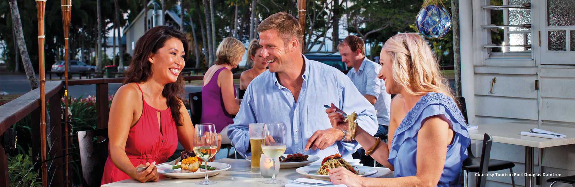 Restaurants, Cafes Port Douglas Right Outside Your door