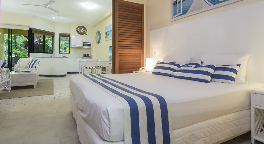 Port Douglas Boutique Holiday Apartments Bedroom
