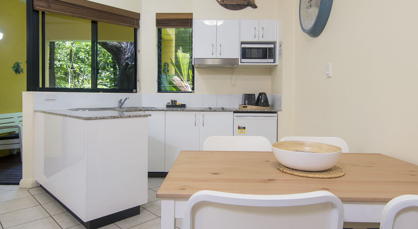 Port Douglas Boutique Holiday Apartments Twin beds